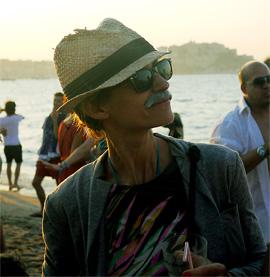 moustache04