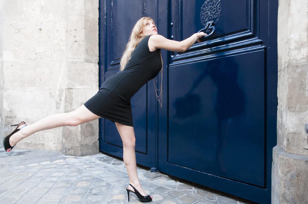 robe-noire-paris-01