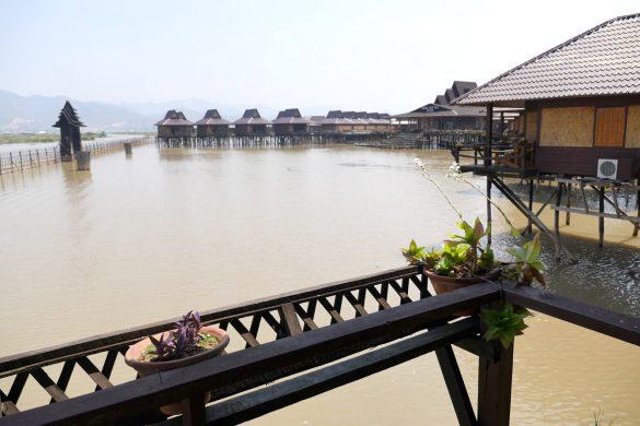 Superbe le Shwe Inn Tha Hotel au lac Inle (Birmanie)