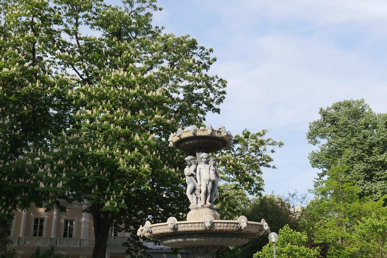 Fontaine du Cirque, jardin des Champs-Elysées