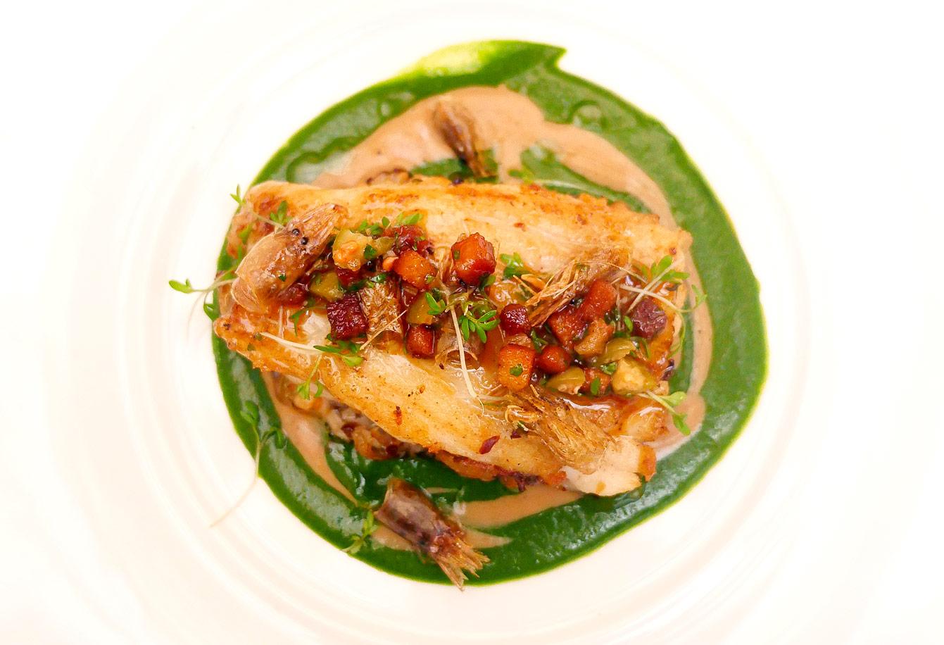 Raie à la grenobloise, duo de velouté cresson et champignons, hotel-vernet-restaurant-10