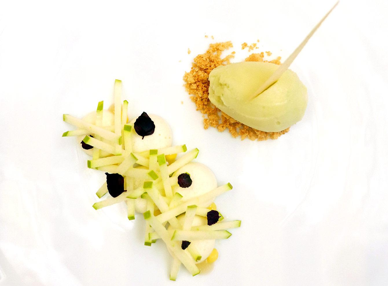 Fruits de saison : pomme Granny Smith, ache des montagnes et mousse de pomme verte, sorbet Granny Smith, hotel Vernet