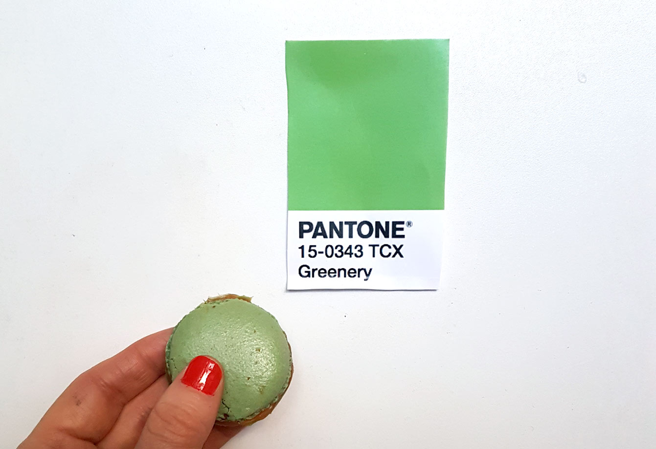 pantone-greennery