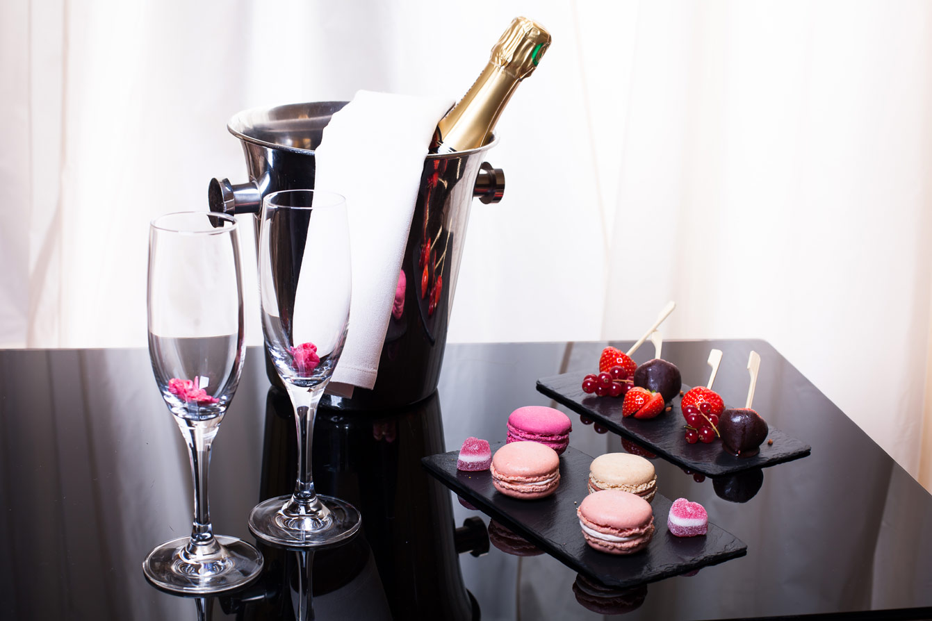 Accueil-Romantique-Hotel-du-Collectionneur-