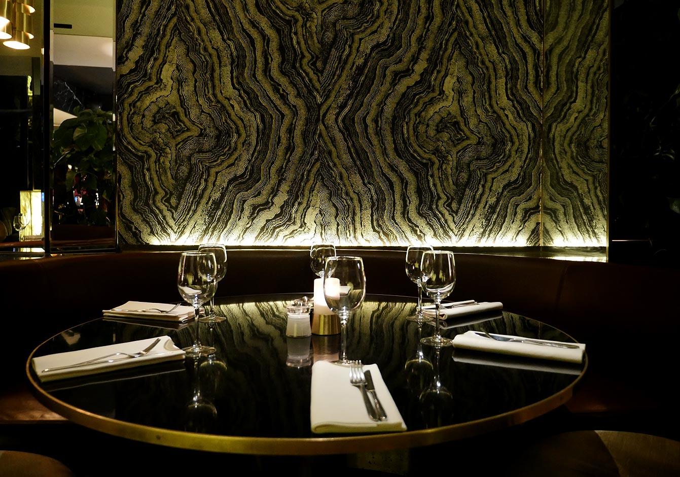 yeeels-bar-restaurant10