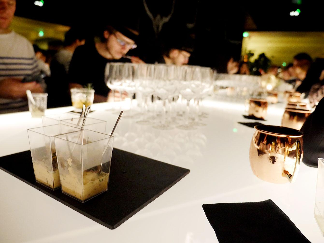 yeeels-bar-restaurant14