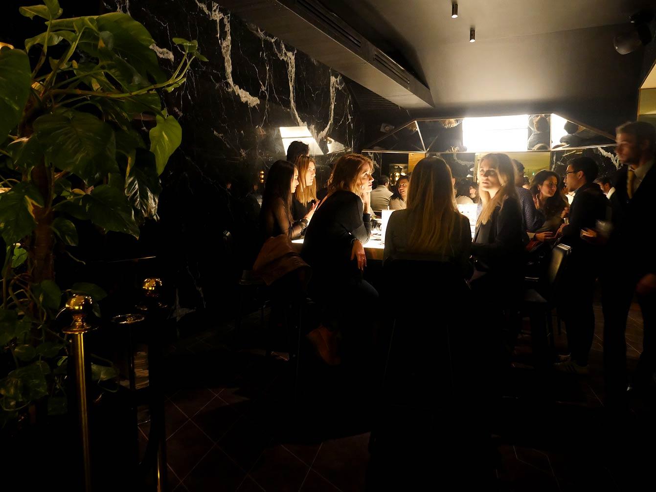yeeels-bar-restaurant2