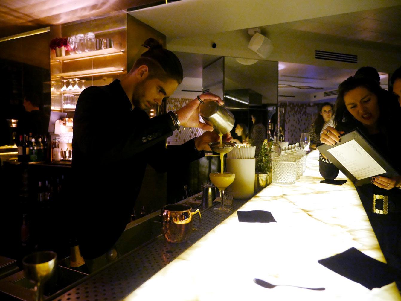 yeeels-bar-restaurant3