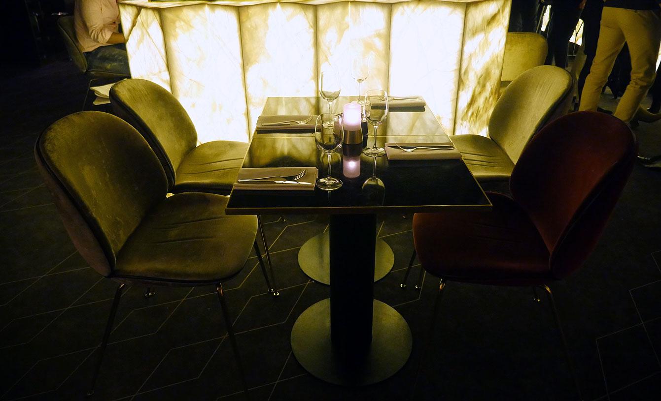 yeeels-bar-restaurant9