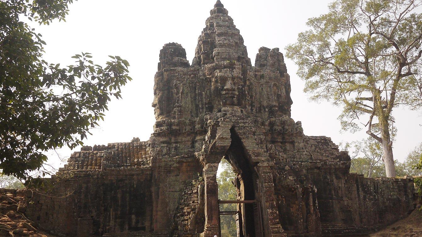 Porte sud de la cité d'Angkor Thom
