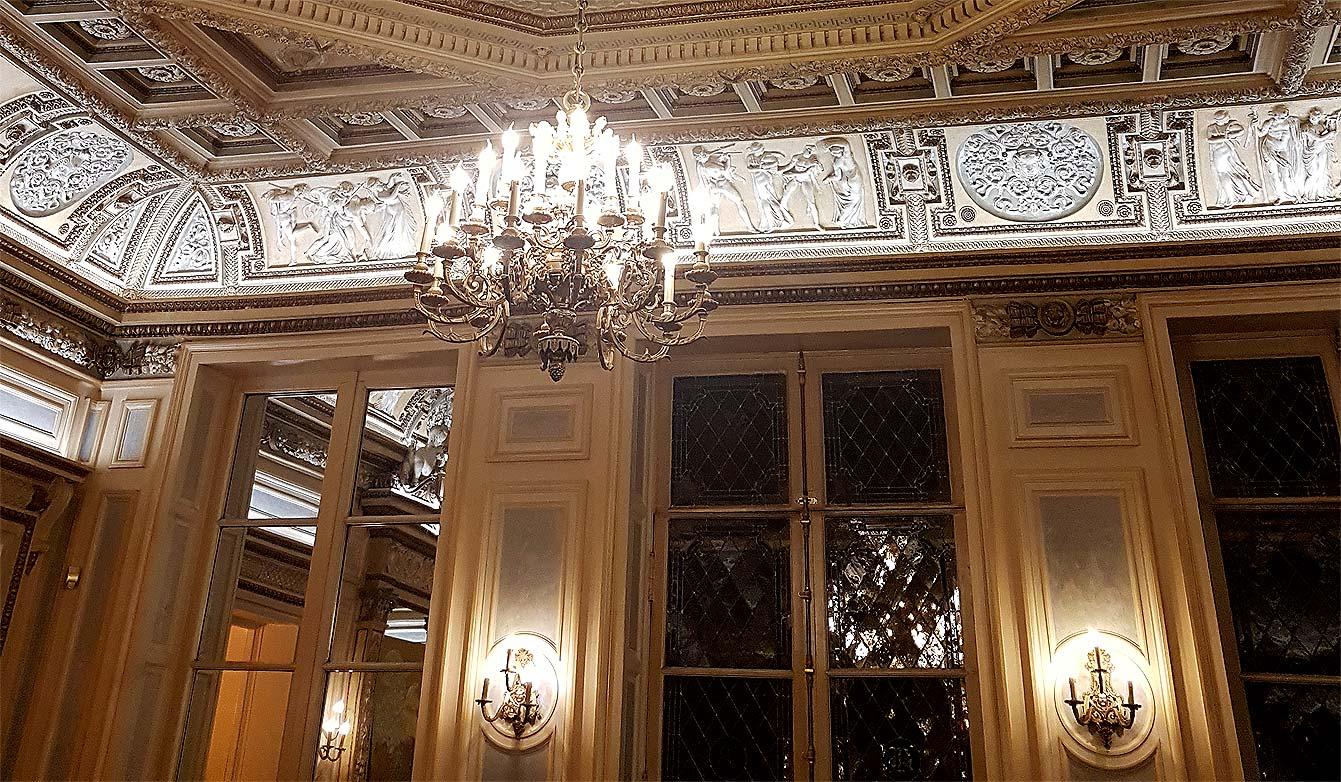 privatiser le flamboyant palais vivienne paris 2e. Black Bedroom Furniture Sets. Home Design Ideas