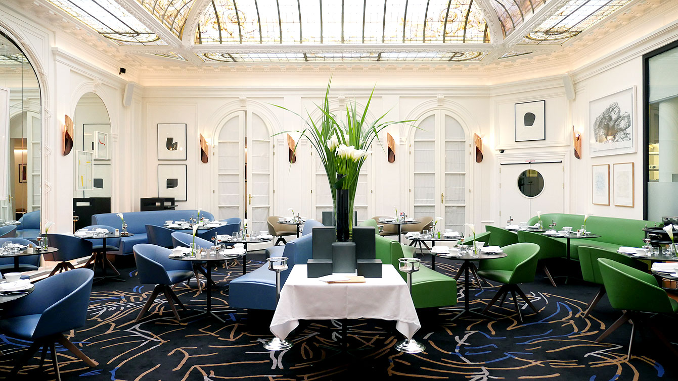 Restaurant V à Hôtel Vernet (Paris 8e)
