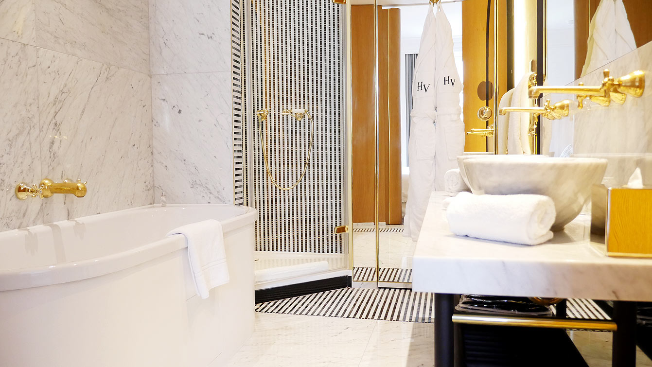 Salle de bain, hotel Vernet, Paris