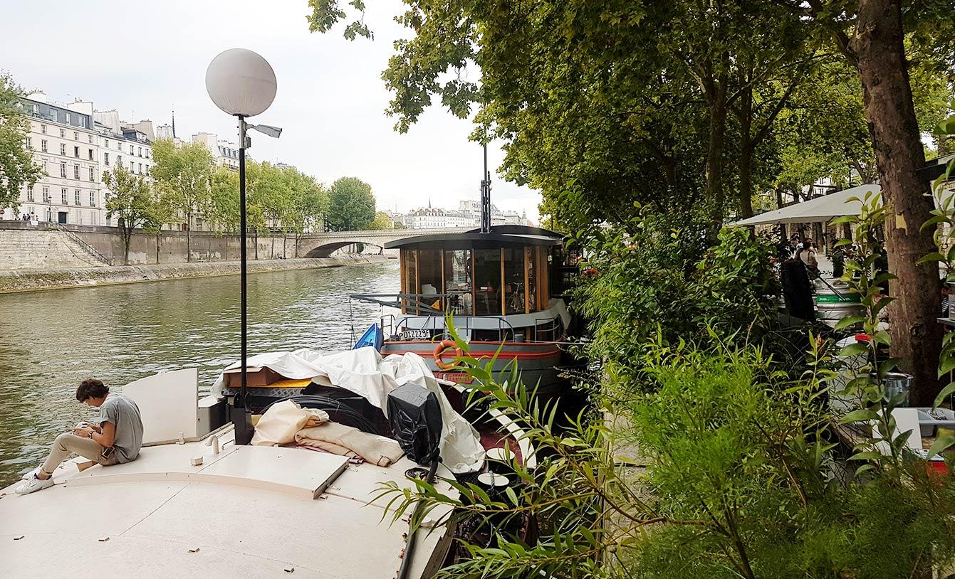 Les quais parisien en été