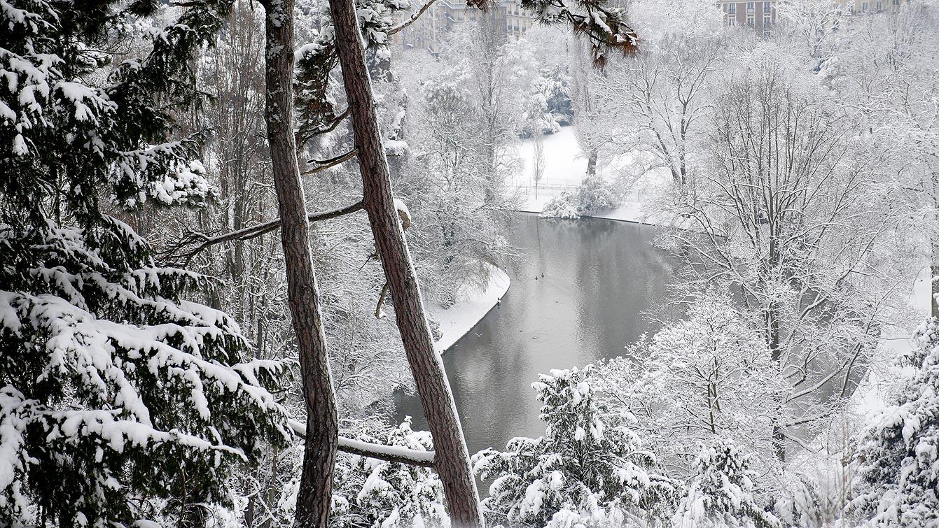 buttes-chaumont-neige-06