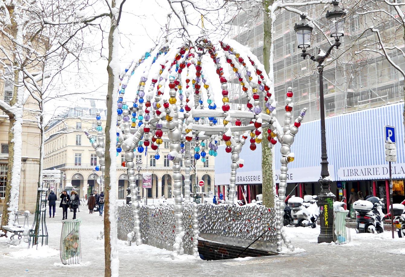 Jean-Michel Othoniel, station Palais Royal sous la neige