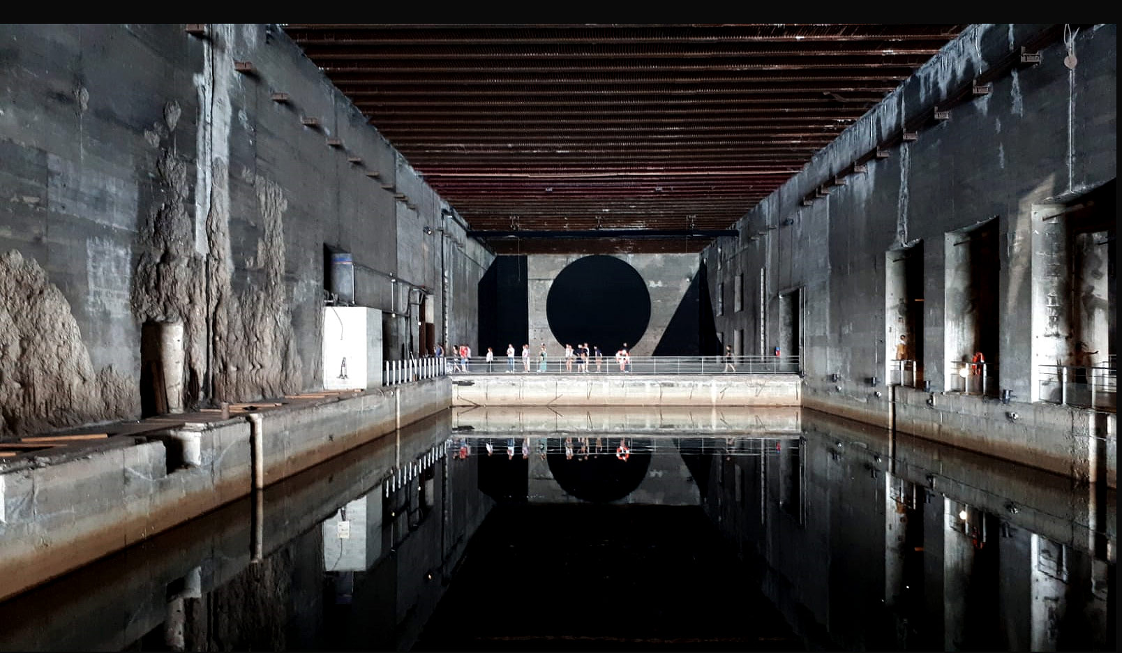 """Expo """"Légendes urbaines"""" à la Base sous-marine"""