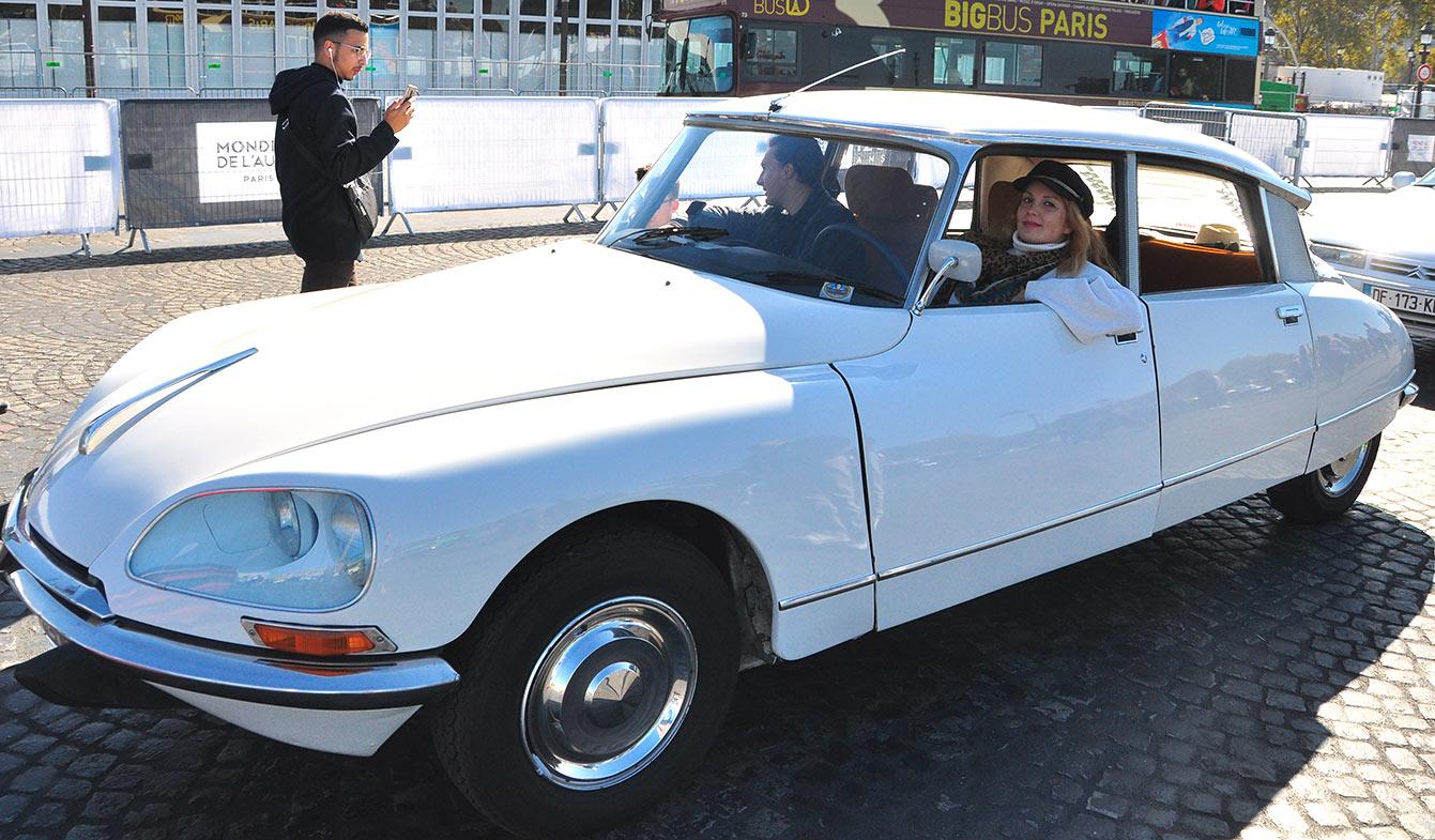Parade des 120 ans du Mondial de l'Auto - Véhicules anciens