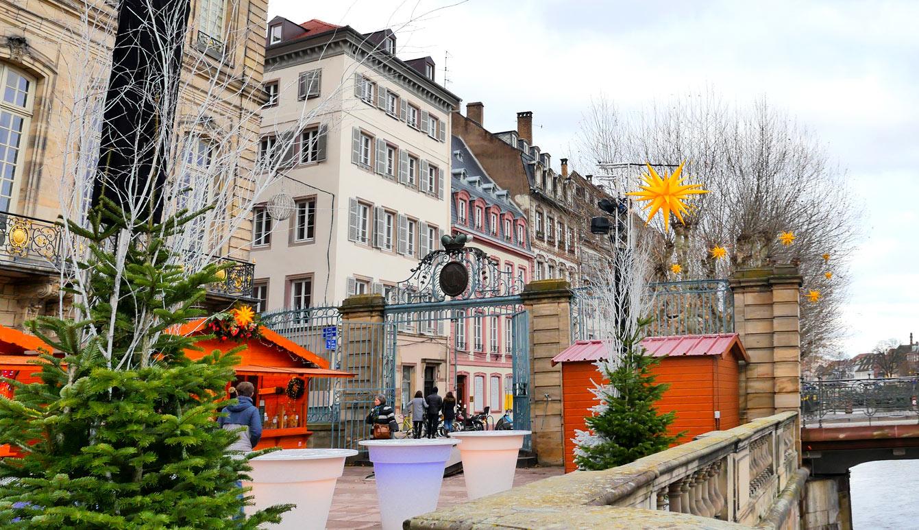 Lemarché des délices,PlaceduMarché-aux-Poissons