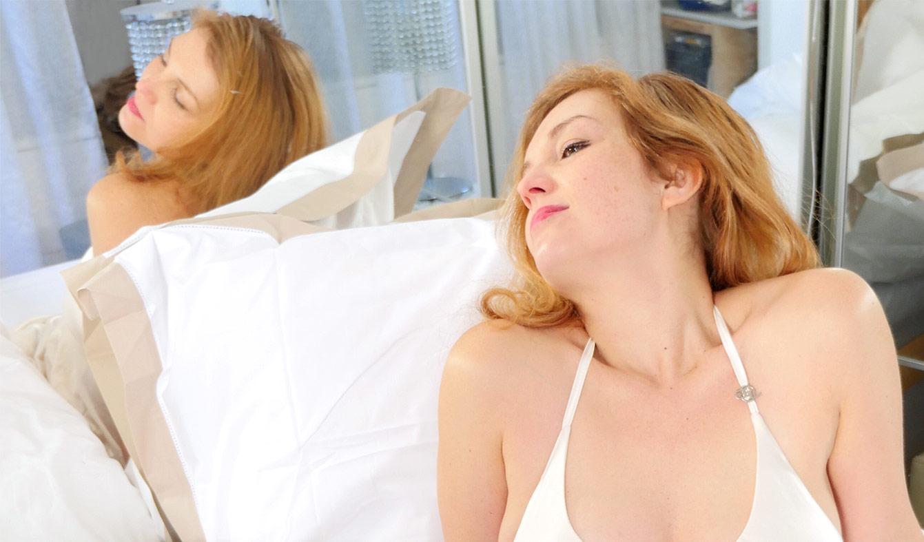 linge de lit anne de sol ne la parure de lit haut de. Black Bedroom Furniture Sets. Home Design Ideas
