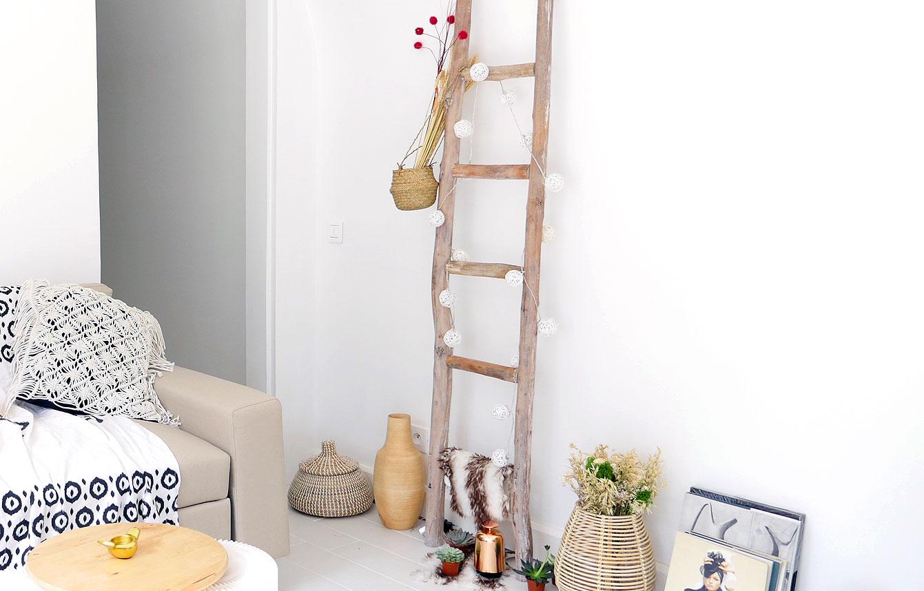 Comment Accrocher Une Guirlande Lumineuse Au Mur sublimer son intérieur avec une échelle déco en bois
