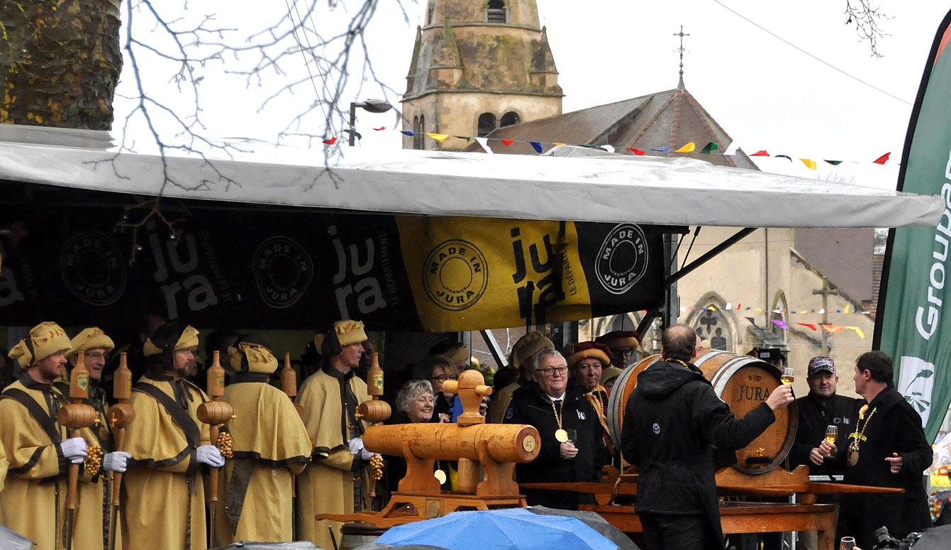 La Percée du vin jaune à Ruffey-sur-Seille, le directeur du Tour de France Christian Prudhomme