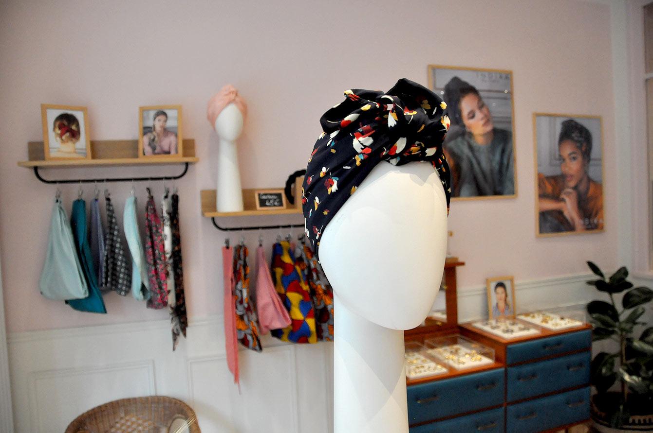 turban prêt-à-poser chez Indira de Paris