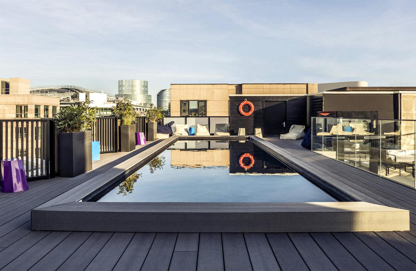 Rooftop Seven Up, hotel mercure