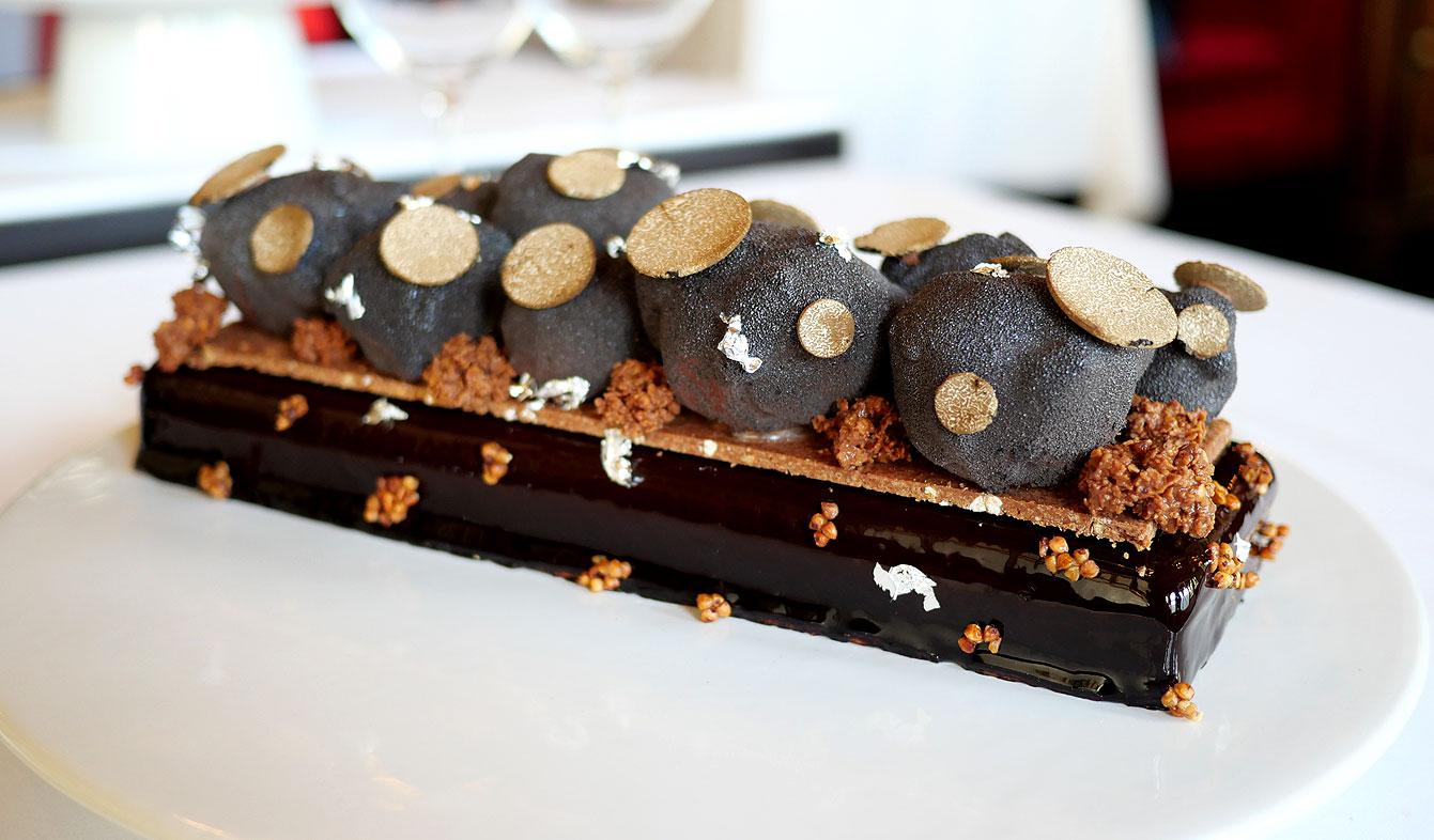 Bûche Chocolat Truffe NoireElégante et chocolatée, Le Grand Véfour