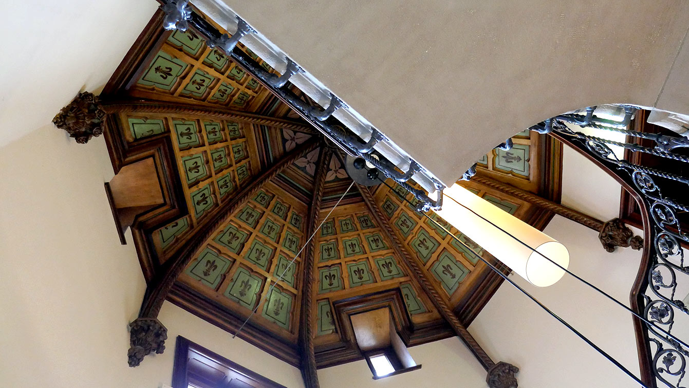 Escalier château d'Ouchy en Suisse