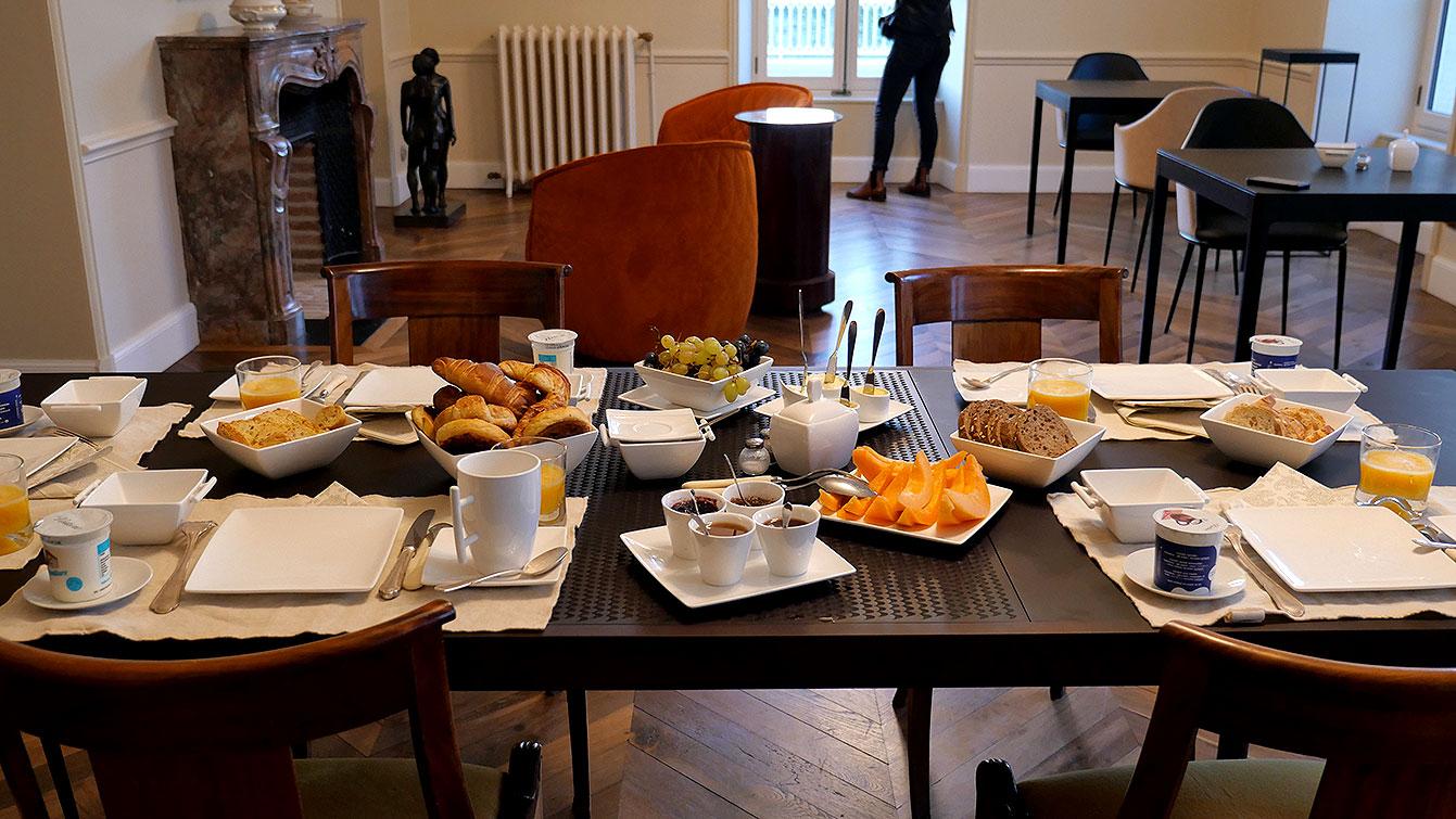 Petit-déjeuner au Château Saint-Aubin